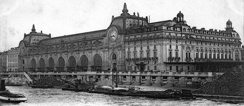 La gare d'Orsay, en bord de Seine. Carte postale. Collection Mémoire Vive.