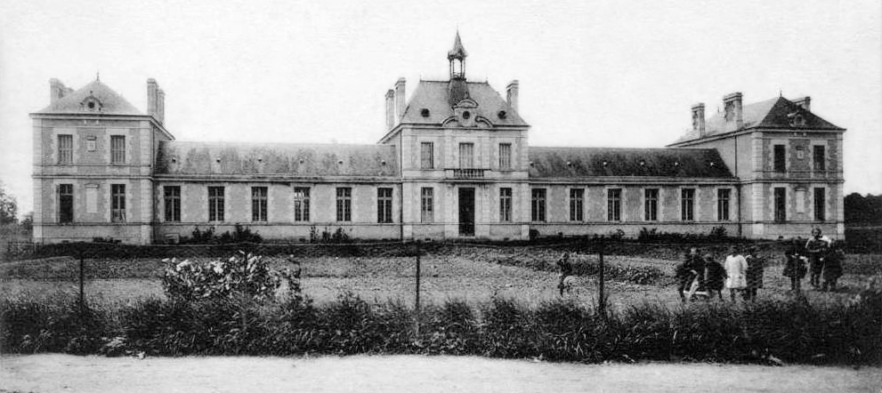 Jaunay-Clan, le groupe scolaire (avant 1912). Carte postale, collection Mémoire Vive.